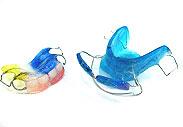 Пластинки с искусственным  зубами