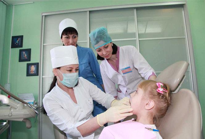 детский стоматолог в клинике СОНА